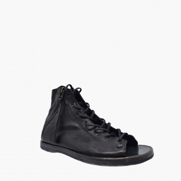 Leather woman sandal...