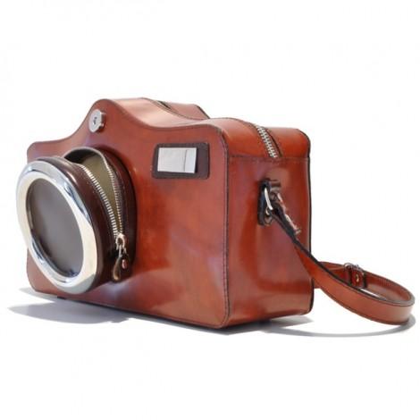 http://officina66.pl/images/Pratesi/LineaRadica/TorebkiDamskie/FotocameraRadica444/3.jpg